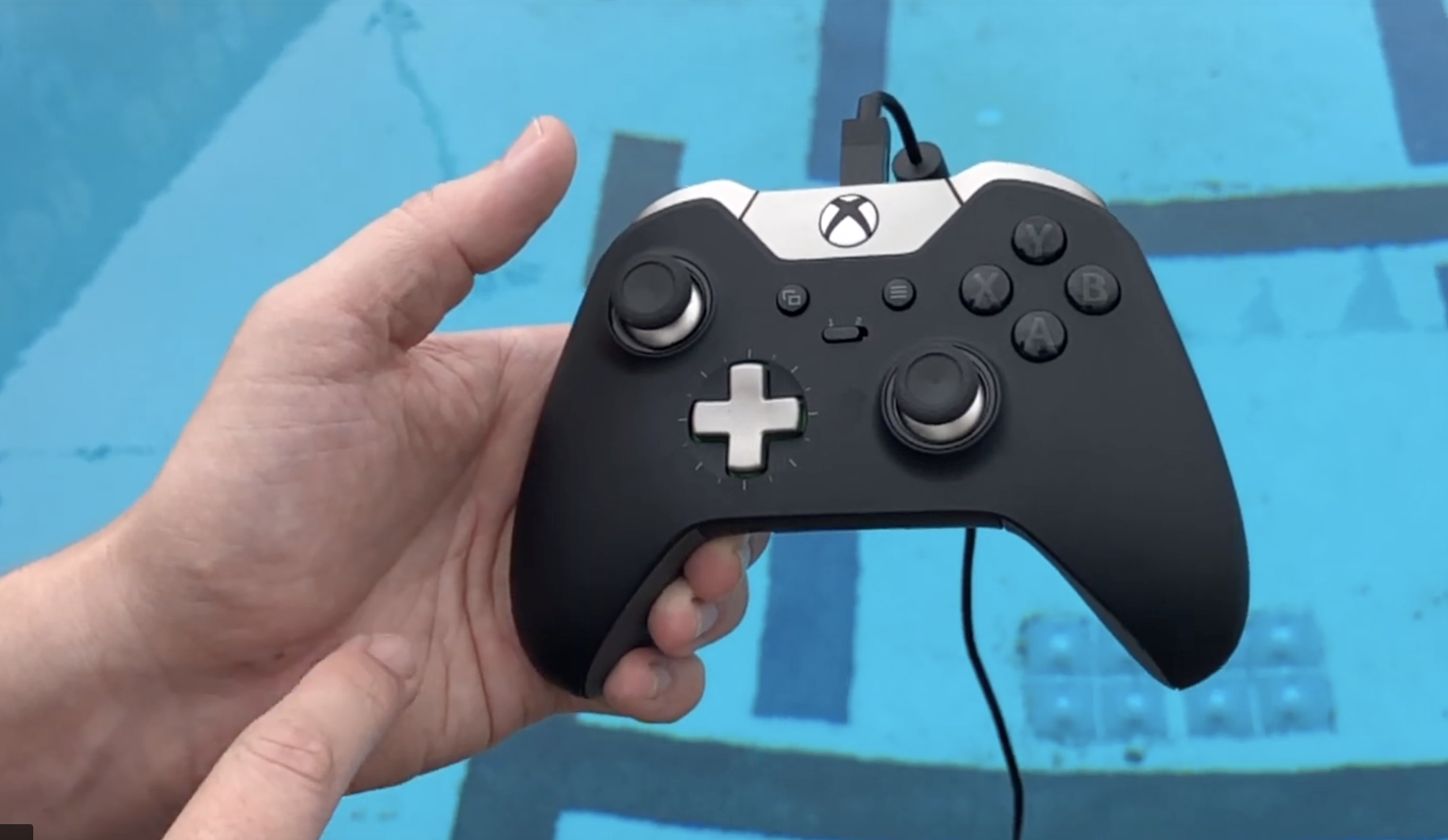 SRV-8 remotely operated underwater vehicle xbox controller functions